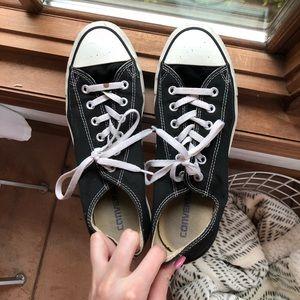Black Lowtop Converse